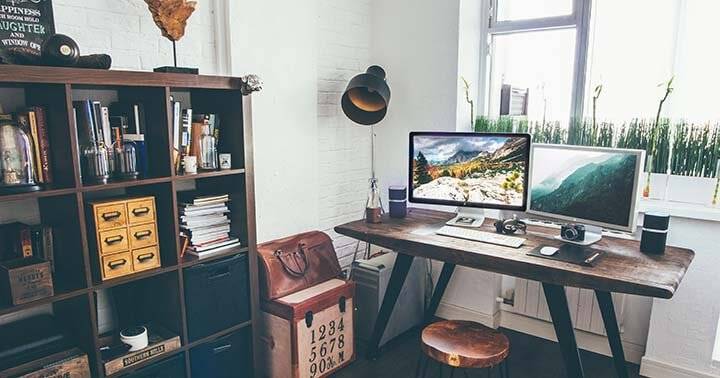 Minmalist home office decor
